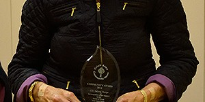 Valerie Thorpe with her award